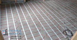 Мат Fenix LDTS уложен на полу. Монтаж теплого пола на кухне
